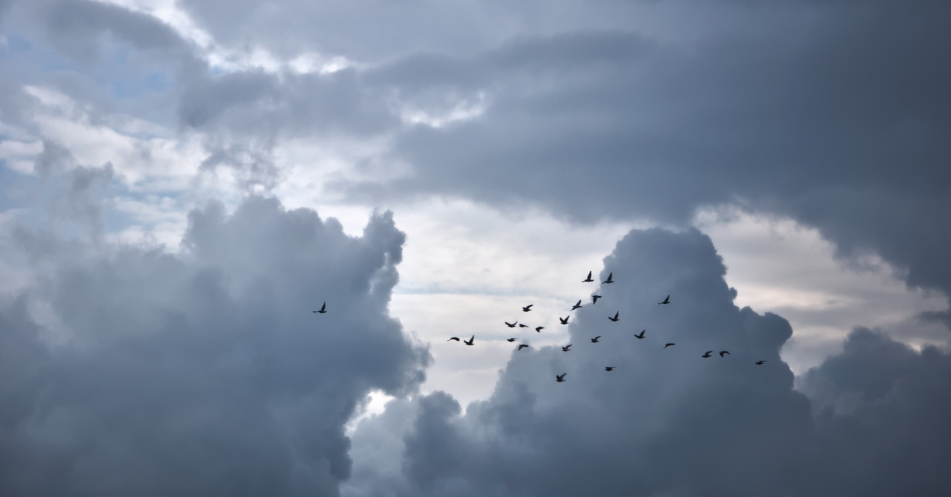 clouds-3663024_1920